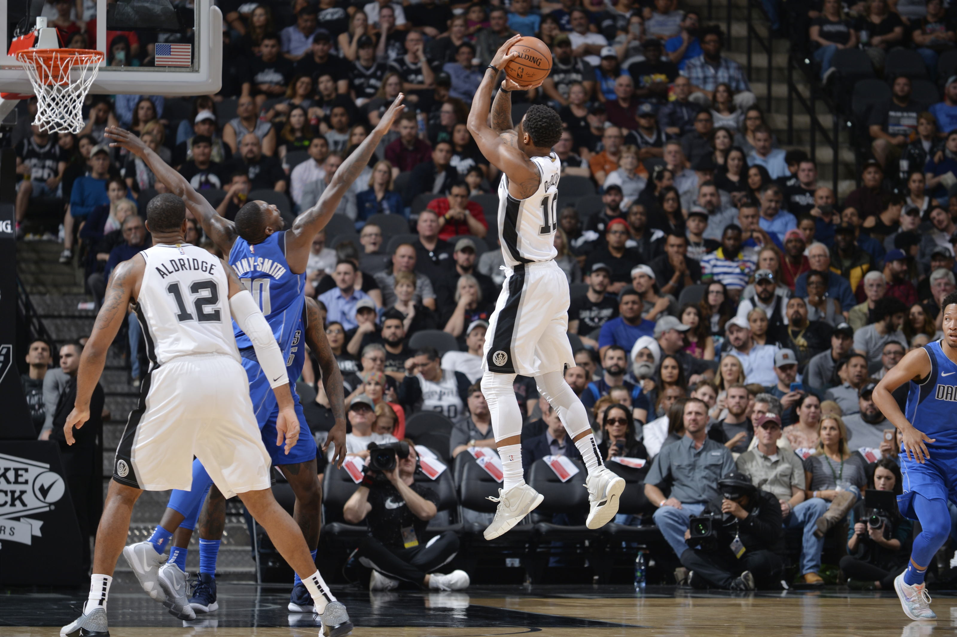 3fc2d984fe06 Dissecting the Spurs  Overtime Victory Over the Mavericks - Basketball Index